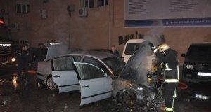 Bursa'da LPG'li otomobil alev topuna döndü