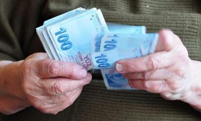Ocak ayında emeklinin ek ödemesi artacak!