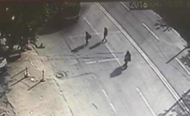 Bursa'da Belediye otobüsü genç kıza böyle çarptı