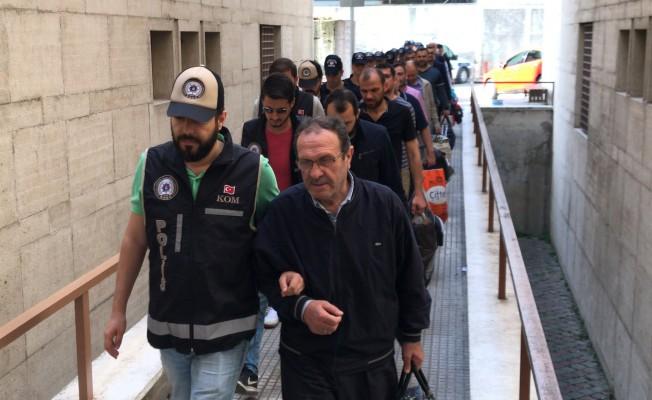 Bursa'da 19 FETÖ'cü adliyeye sevk edildi
