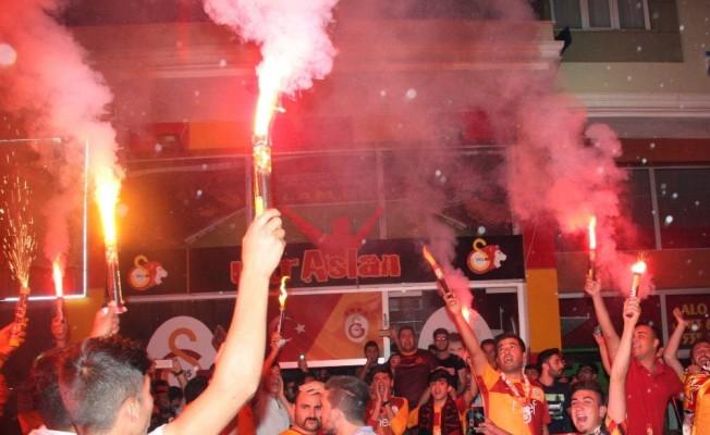 Galatasaray taraftarı Kilis'te şampiyonluk turu attı