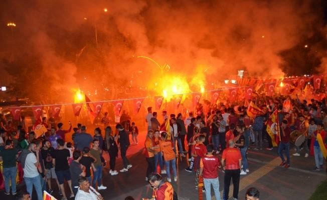 Tekirdağ'da Galatasaray'ın şampiyonluk coşkusu