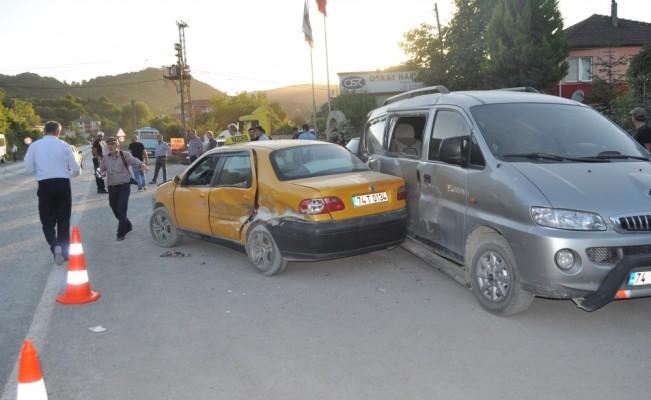 Bartın'da trafik kazası: 10 yaralı