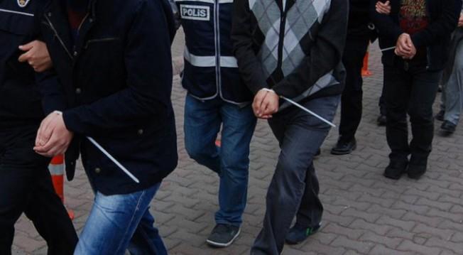 Bursa'da 'Gaybubet' evlerine şok baskın!