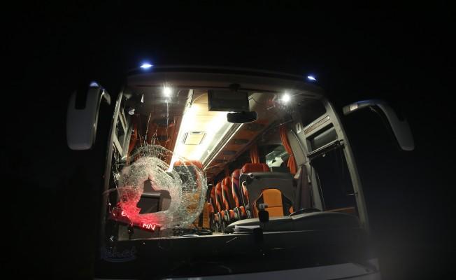 Bursa'da yolcu otobüsüne taşlı saldırı!