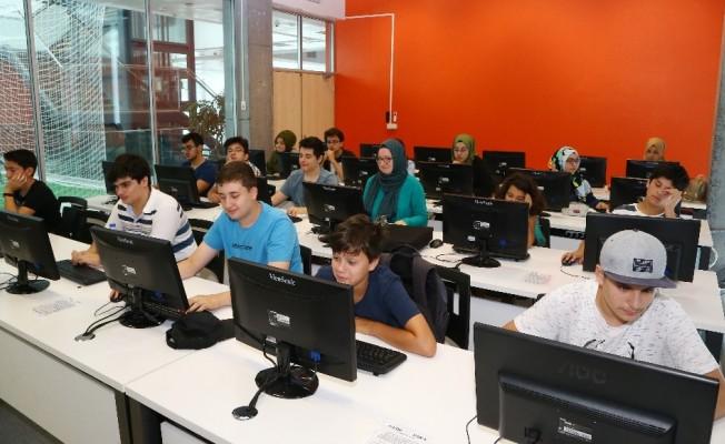 Başakşehirli gençlere bilgisayar eğitimi