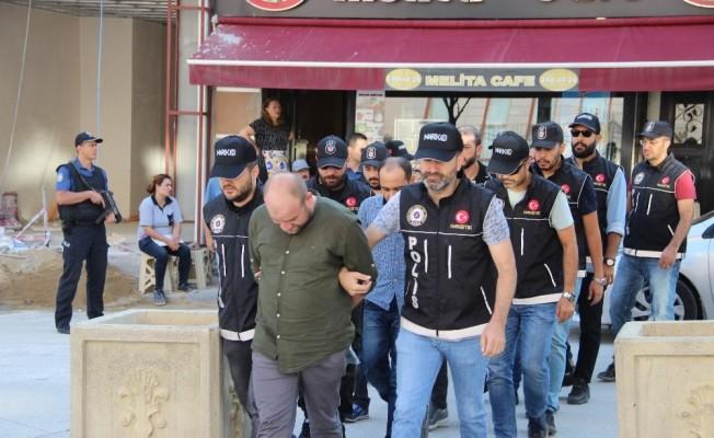Eskişehir'de uyuşturucu satıcısı 7 kişi adliyeye sevk edildi
