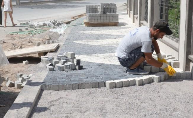 Melikgazi'den Nurihas ve Esenyurt Mahallelerinde Yaya Yolu ve Orta Refüj Çalışması