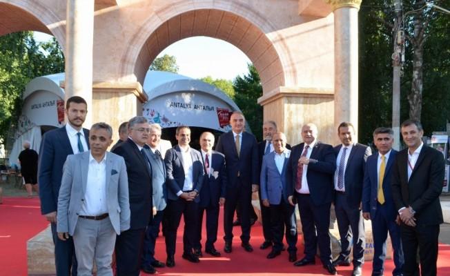 Moskova'daki Türkiye Festivali muhteşem başladı
