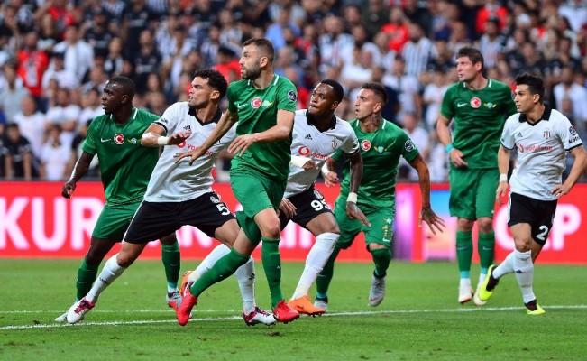 Spor Toto Süper Lig: Beşiktaş: 2 - Akhisarspor: 0  (İlk yarı)