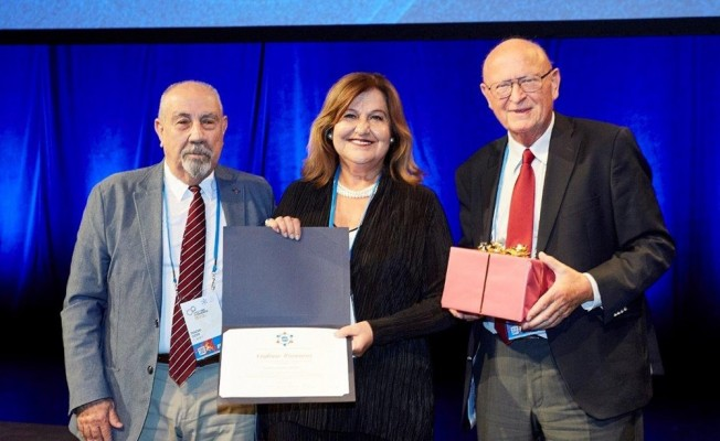 Türk bilim insanına onur ödülü