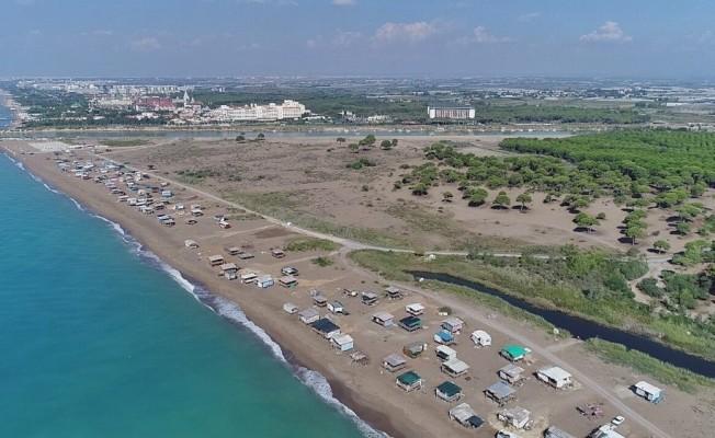 Antalya'da denize sıfır obalarda ücretsiz lüks tatil kıskandırıyor