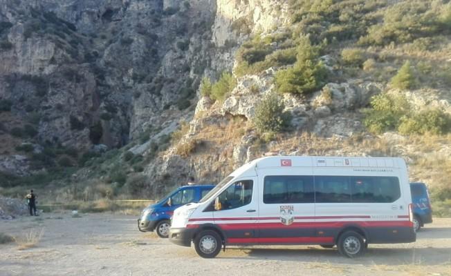 Aydın'da 4 kişi kayalıklarda mahsur kaldı