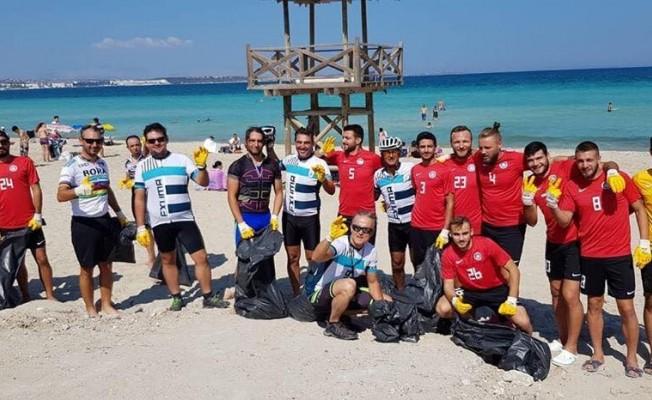 Dünya Temizlik Günü'nde Çeşme Plajları temizlendi