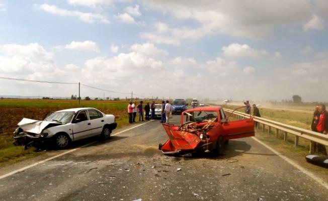 Eskişehir'de iki otomobil çarpıştı: 1 ölü, 2 yaralı