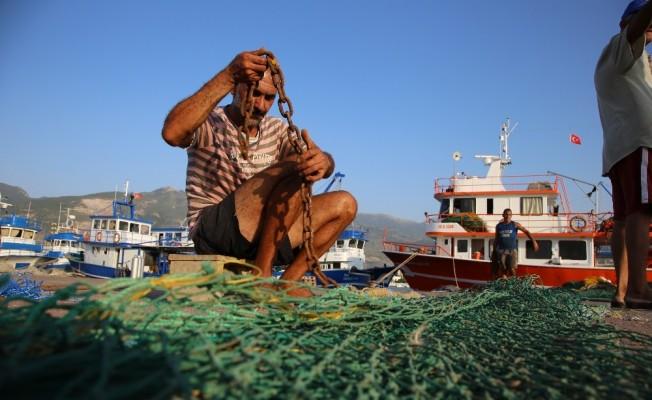 İskenderun'lu balıkçılar 'Vira Bismillah' demeye hazır