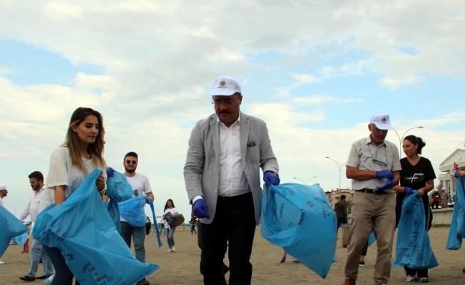 Samsun'da sahiller çöplerden arındırıldı