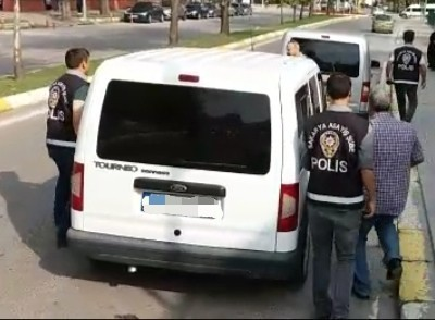 Suç makinesi akü hırsızları yakayı ele verdi