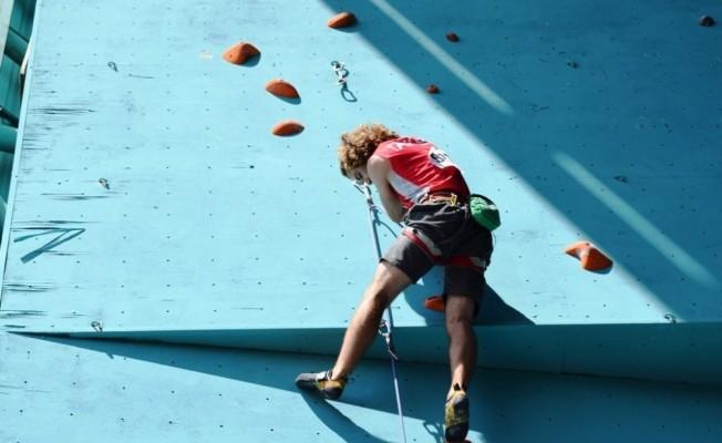 Tırmanma yarışları nefes kesiyor