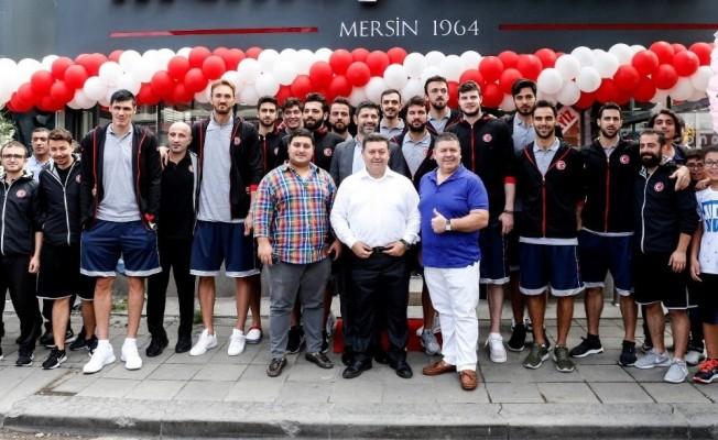 Türkiye Basketbol Federasyonu CEO'su Ömer Onan'ın yeni tantuni restoranı açıldı