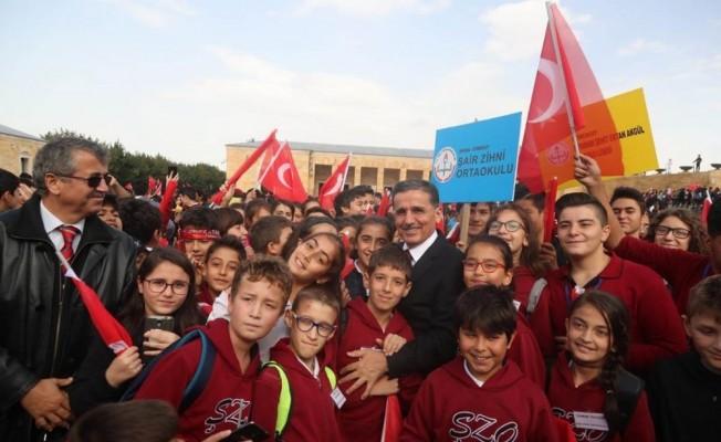 Ankara'nın başkent oluşunun 95. yıl dönümü kutlamaları Anıtkabir ziyareti ile başladı