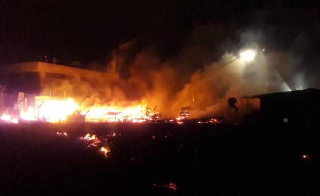 GÜNCELLEME - Kocaeli'de palet imalathanesinde yangın