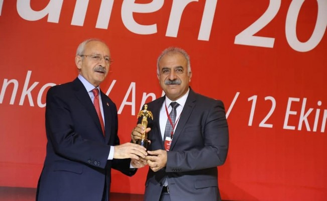 Kılıçdaroğlu'ndan Başkan Nehir'e ödül