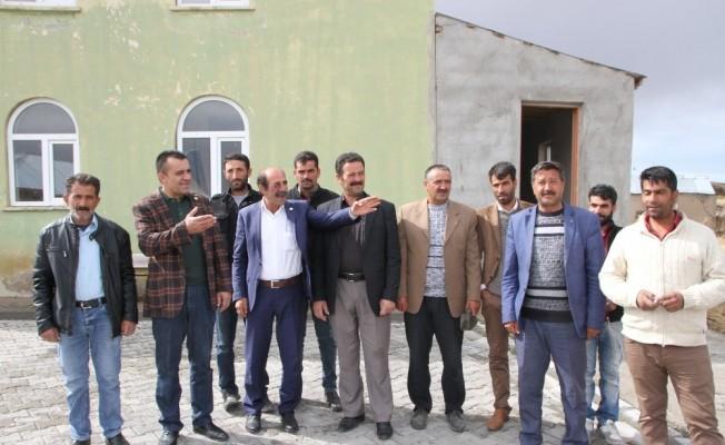 Malazgirt Ziraat Odası Başkanı Kılıç'tan köy ziyareti