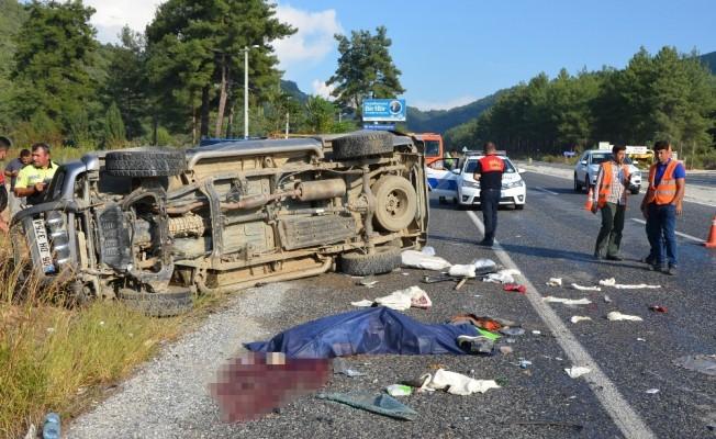 Milas'ta kamyonet kayganlaşan yolda kontrolden çıktı: 1 ölü, 1 yaralı