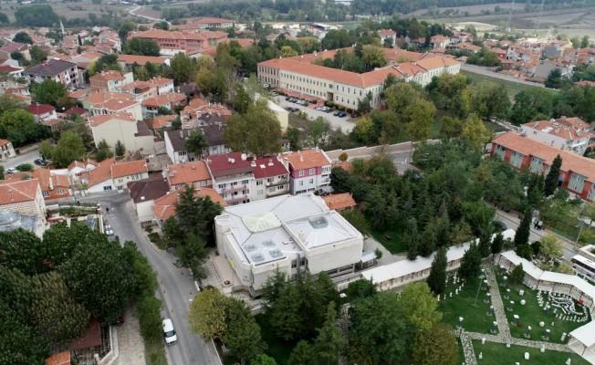Selimiye'nin gölgesinde