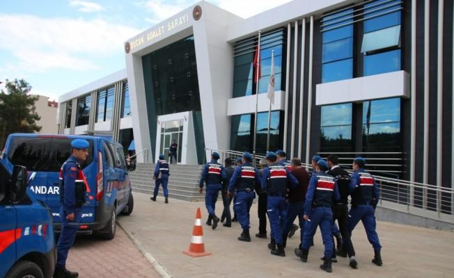 Burdur'da jandarma ile şüpheliler arasındaki silahlı çatışma