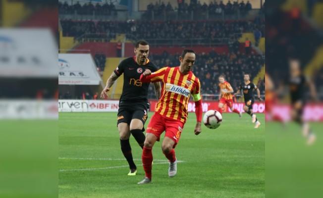 Spor Toto Süper Lig: Kayserispor 0 - Galatasaray: 1 (İlk Yarı)