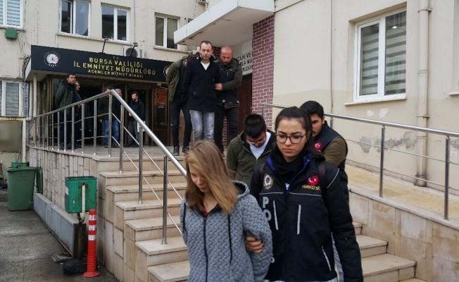 Bursa'da zehir tacirlerine baskın