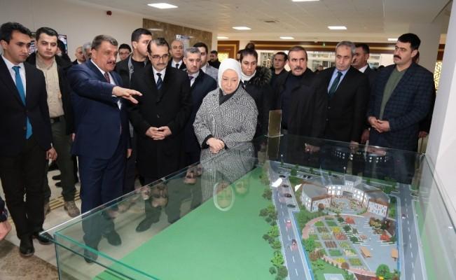 Bakan Dönmez, Battalgazi Belediyesini ziyaret etti
