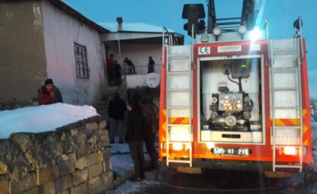 Başkale'de tandır evi yangını