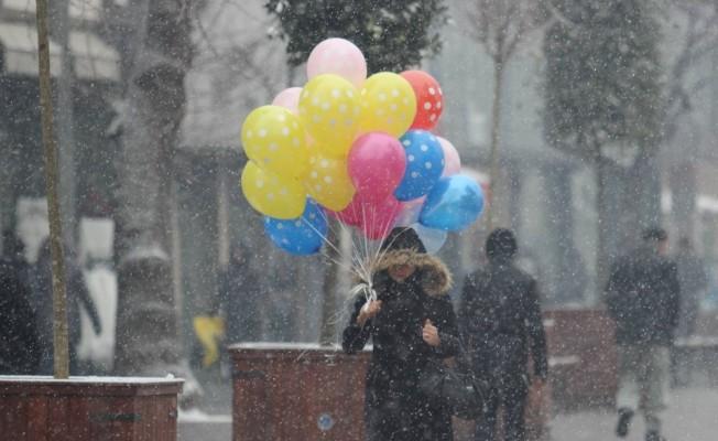 Bursa'nın iki ilçesinde eğitime kar engeli