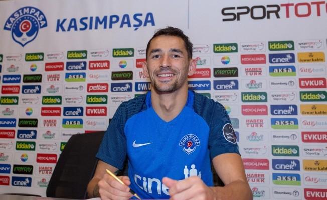 Kasımpaşa Sadiku ve Veigneau ile sözleşme yeniledi