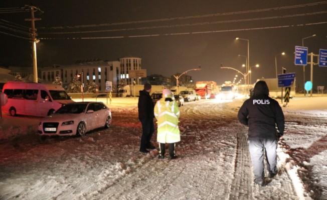 Kütahya'da kapanan şehirler arası yollar açıldı