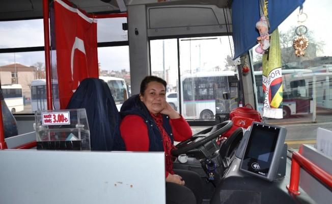 (Özel) Bandırma'nın ilk ve tek kadın otobüs şoförü
