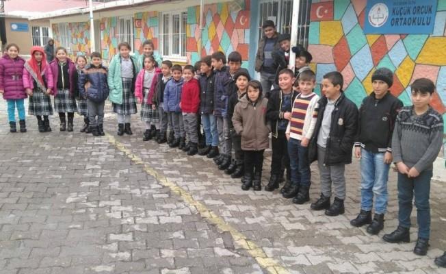 OLTUMER faaliyetlerine çocuklara bot kampanyası ile başladı