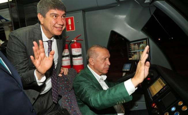 Cumhurbaşkanı Erdoğan 3. etap raylı sistemin test sürüşünü yaptı