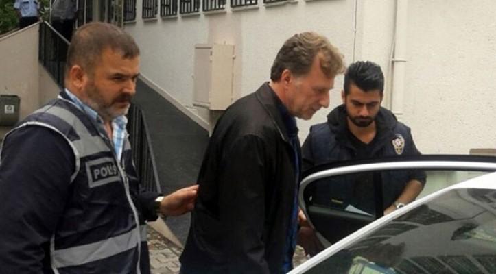 Eski futbolcu İsmail Demiriz'e FETÖ üyeliğinden hapis cezası