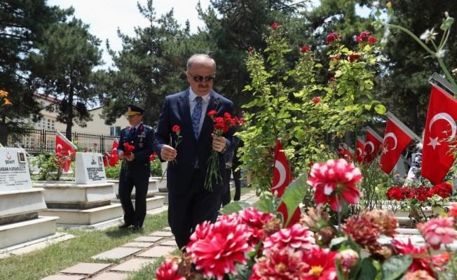 Vali Çakacak'ın 18 Mart Çanakkale Deniz Zaferi ve Şehitleri Anma Günü mesajı