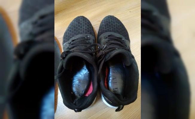 Ayakkabıya zulalanan uyuşturucu polisi bile şaşırttı
