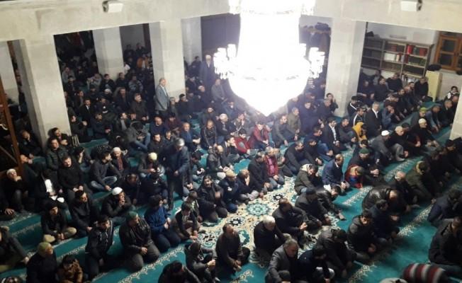 Kars'ta Berat Kandili'nde camiler doldu taştı