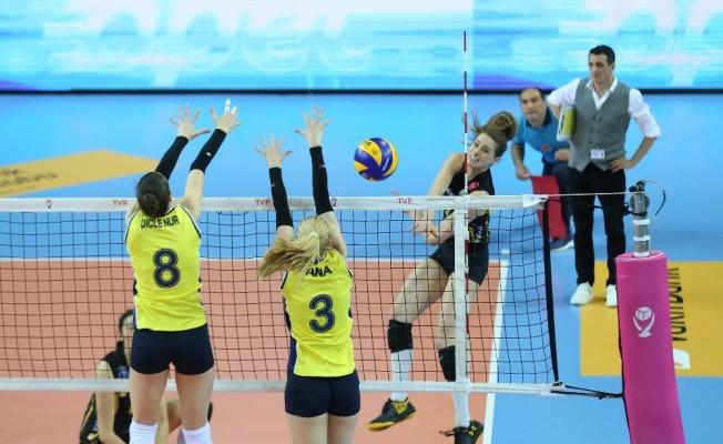 VakıfBank finalde
