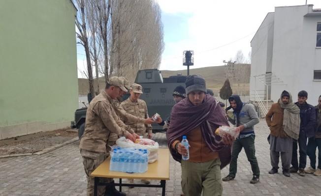 Van'da 241 kaçak göçmen yakalandı