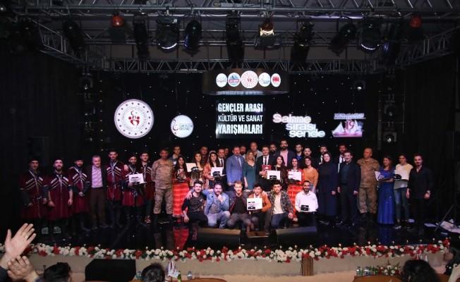 Van'da 'Kültür ve Sanat Yarışmaları' bölge finali