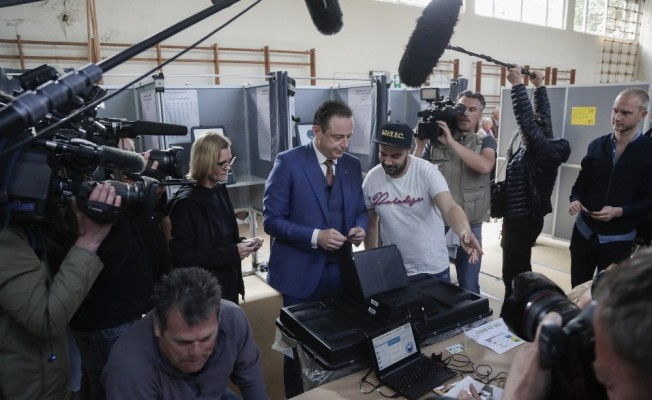 Belçikalı seçmenler AP ve yerel seçimler için sandık başında