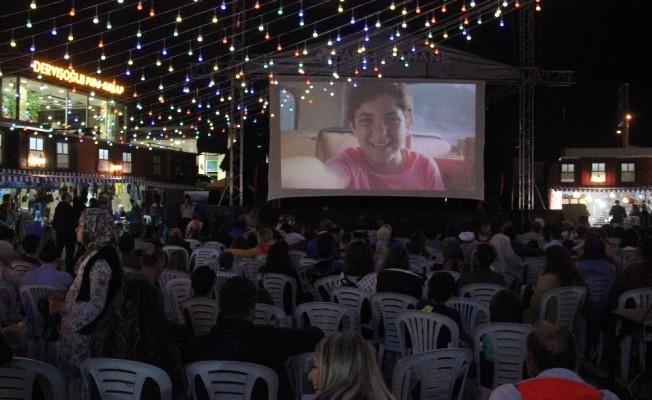 Vatandaşların yazlık sinema keyfi